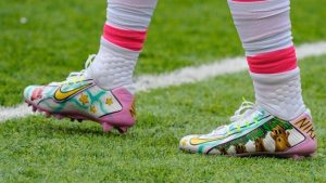 A Few Tips To Help You Buy Football Cleats