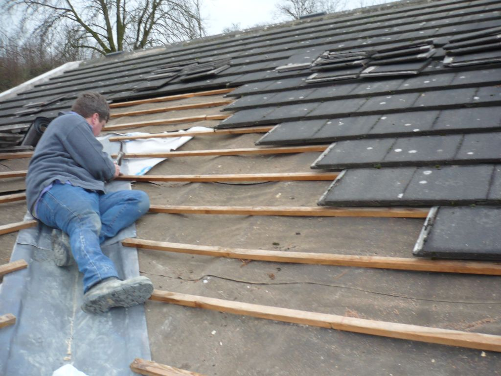 Roofer in Pittsburgh